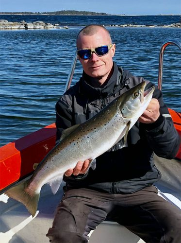 Fredrik Winter with a beautiful salmon.
