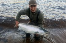 Janne Johansson with a salmon 16,6 kg on Days tubfluga.