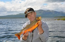 Magnus Everlund med en vacker röding på 1,5 kg och 45 cm tagen på långedrag i Ottsjön.